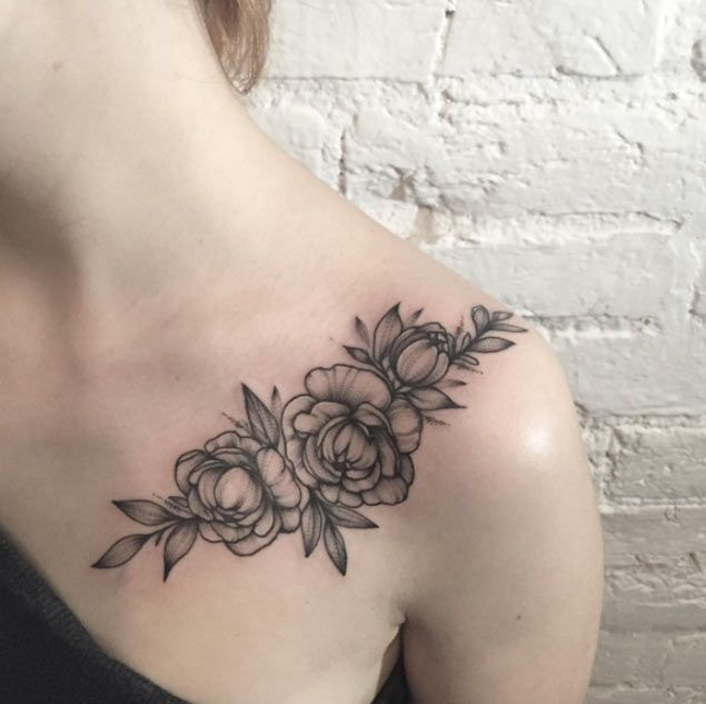 30 Beautiful Black and Grey Ink Floral Tattoos From Sasha Tattooing - TattooBlen...