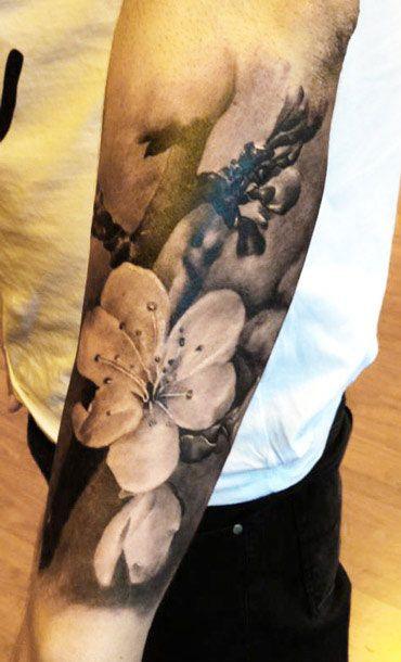 Tattoo Artist - Augis Tattoo - flowers tattoo
