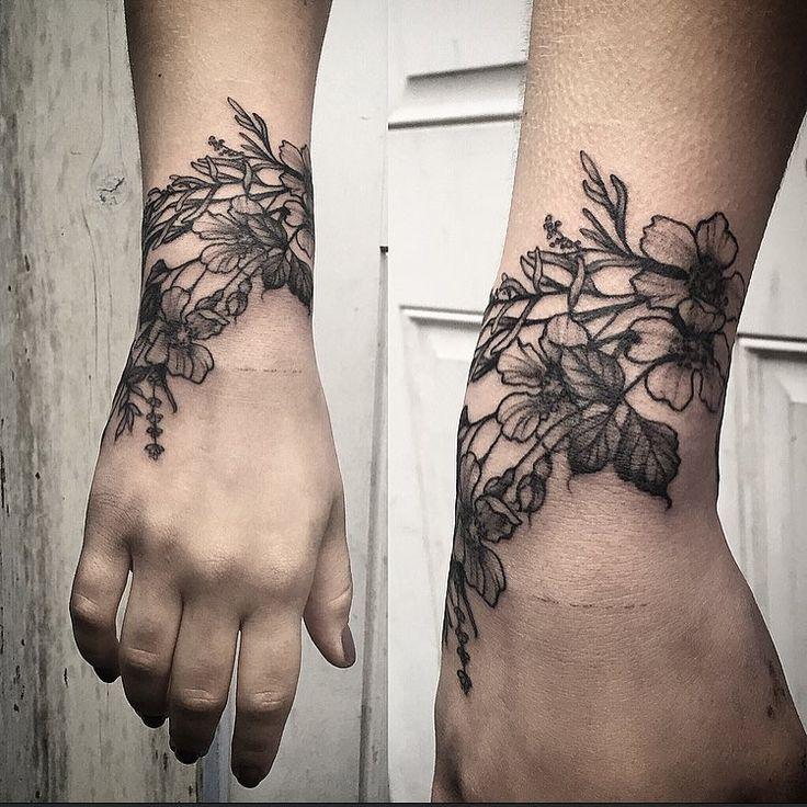 Wild flower cuff by Annelise @sweetleas ig