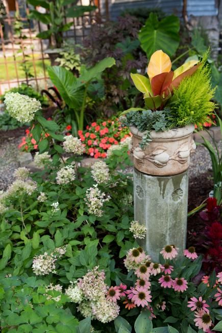 Garden Tour: 5 simple steps to an entertaining yard