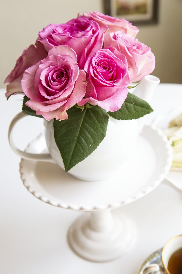 How to Create a Royal Wedding Tea Party - Pink Roses in Teapot #BeYourBestBlend ...
