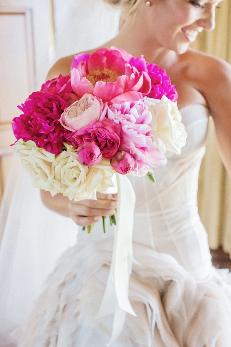 Bright pink peonies   Photography: Amy and Stuart