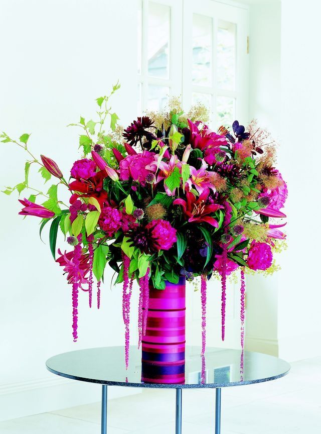 Gala 2018. Ribbon wrapped vases