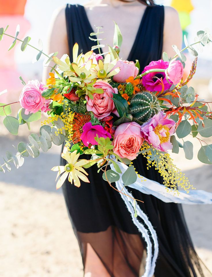 bright pink bouquet Photographer Tiffany Sangster Photography Seven Magic Mounta...
