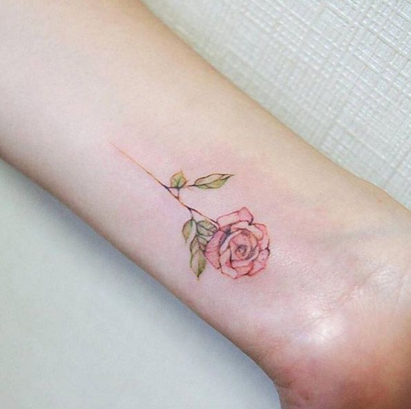 Flower Tattoos 50 Amazing Wrist Tattoos For Men Women