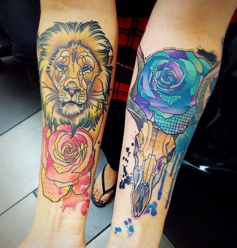 Lion and flower tattoo!! I love the colours in the work!!