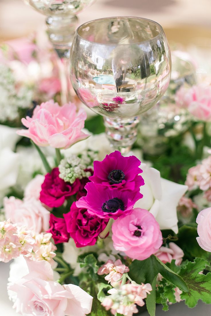 Florist: Blush Botanicals - www.stylemepretty... Photography: We Heart Photograp...