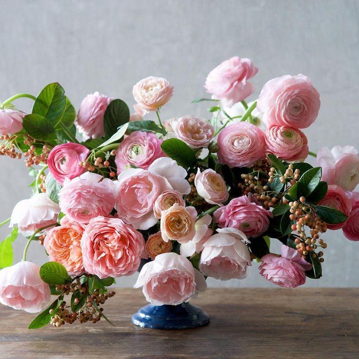 San Francisco-based floral designer Inquiries: hello@tulipina.com Weddings, work...