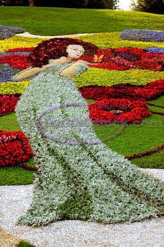 Spectacular Garden Art