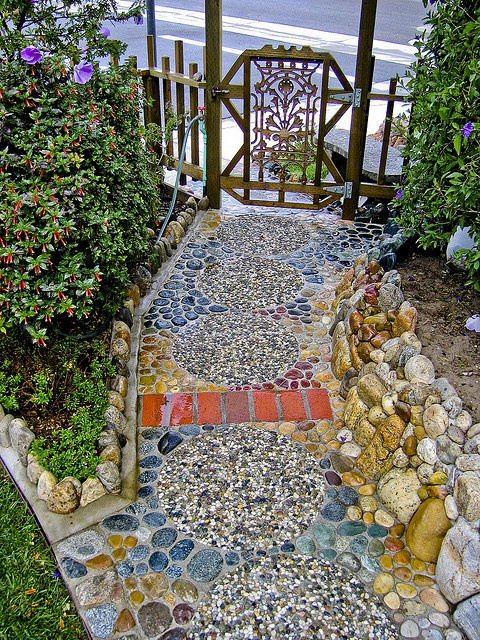What's not to love about this.  The pathway, the rocks, the gate.  Fabulous!
