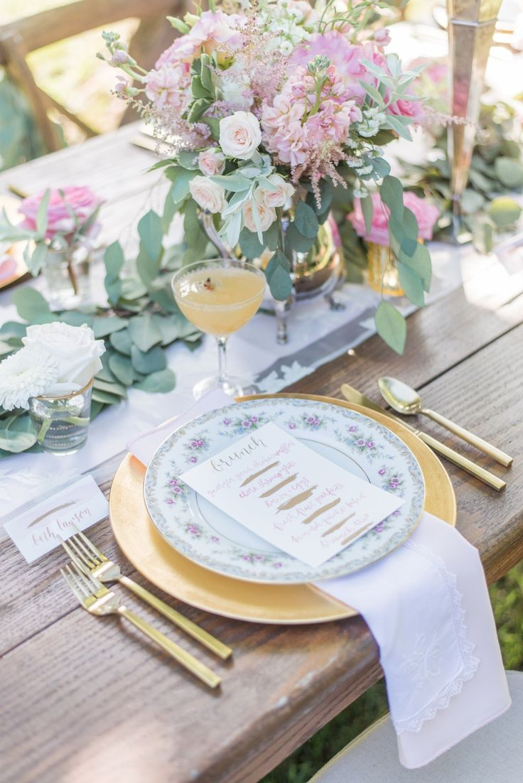 Vintage dishes and gold flatware