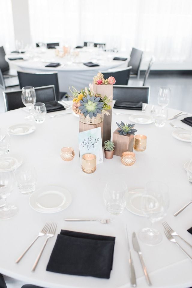 Weddings Flower Arrangements Modern And Simple Wedding Table Flowers Tn Leading Flowers Magazine Daily Beautiful Flowers For All Occasions
