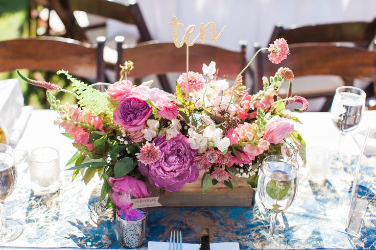 pink flower box centerpiece and table number