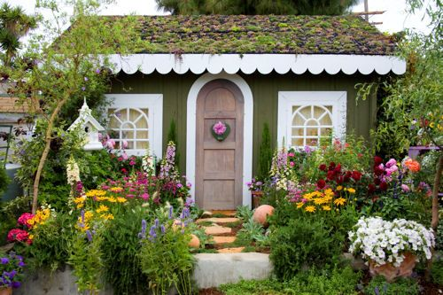 Green Scalloped Cottage
