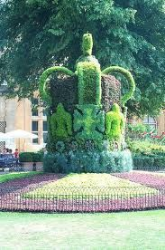 Topiary Crown