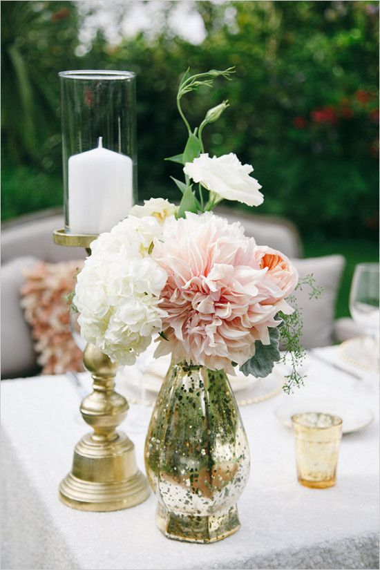 #weddingflowers #sweetheartstable #flowerdecor #centerpiece wedding chicks