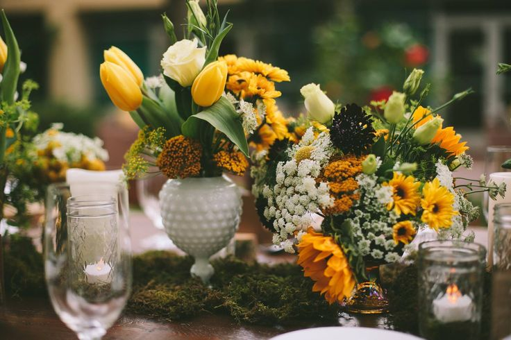 Weddings Flower Arrangements Yellow Floral Centerpieces By Orange Blossoms Florals Event Styling Orangeblos Flowers Tn Leading Flowers Magazine Daily Beautiful Flowers For All Occasions