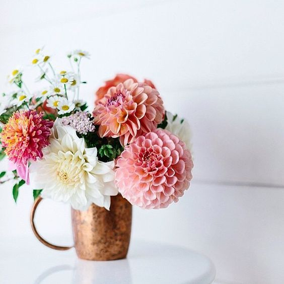 21 Fresh Cut Spring Flower Arrangements and Bouquets