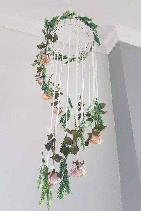 The Most Gorgeous Flower Garlands to Decorate Your Wedding