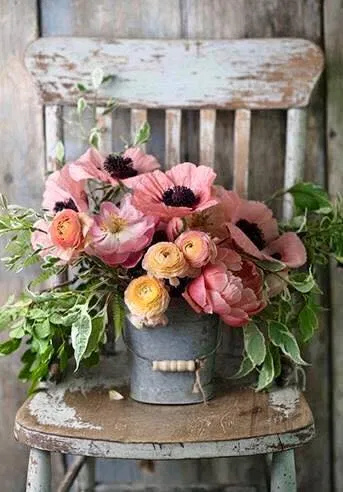 Adding a Touch of Spring with Farmhouse Flower Ideas - The Cottage Market