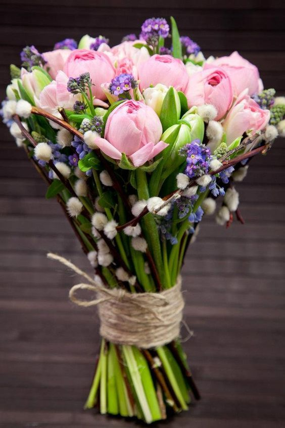 What Will Be in Bloom on Your Wedding Day?