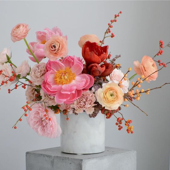 Add Artistry To Your Wedding with These Lush Arrangements