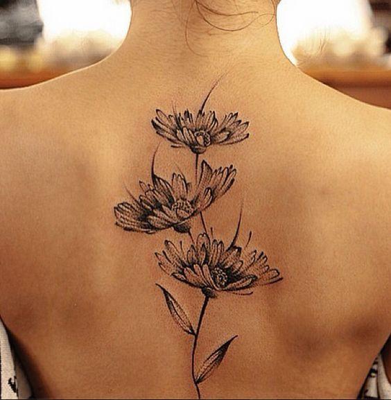 15 idées de tatouage fleurs
