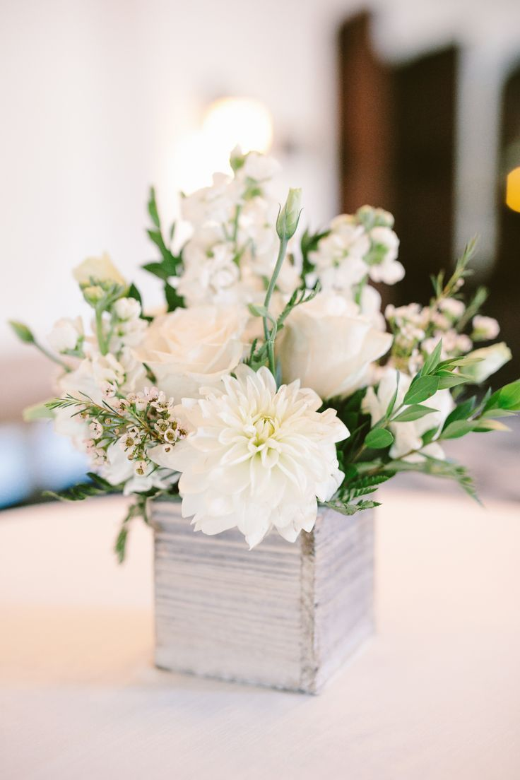 6 Tips to Keeping Your Centerpieces Chic - Willowdale Estate